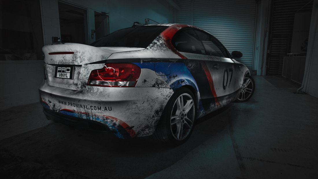 PROvinyl BMW 135 1M racing design